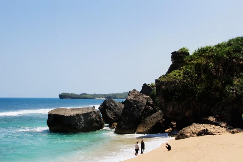 Pantai Indrayanti semula bernama Pantai Pulang Syawal