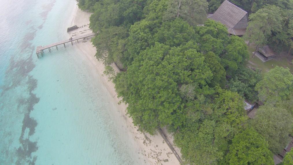Pantai Liang dilihat dari ketinggian