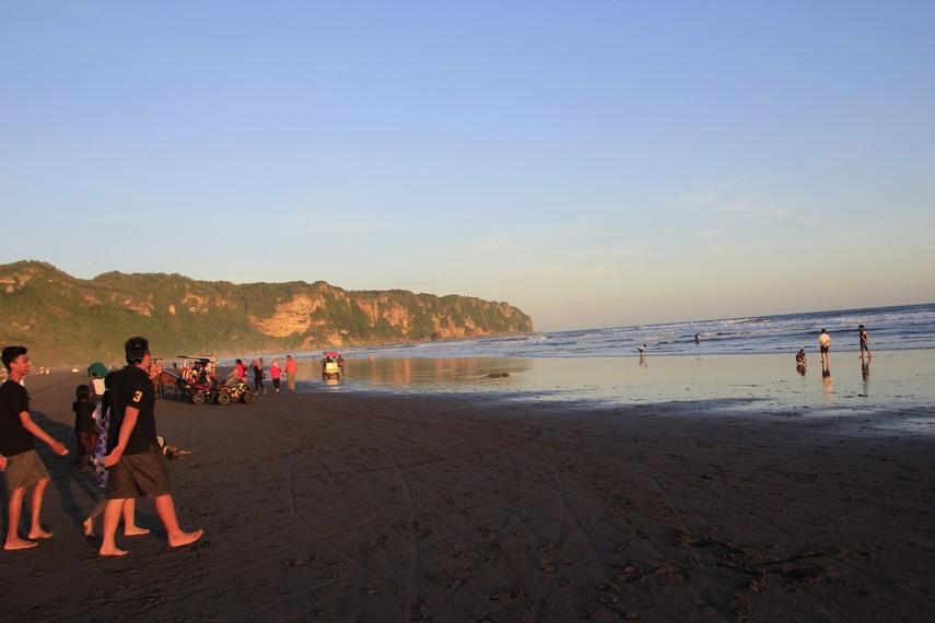 Pantai Parangtritis Yogyakarta tempat dimana legenda Nyi Roro Kidul berasal