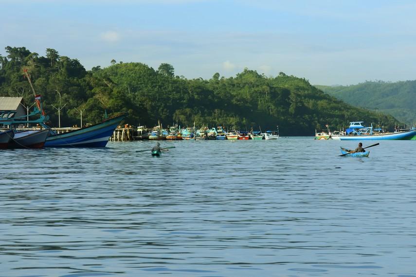 Pantai Sendang Biru terletak di Kecamatan Sumbermanjing Wetan, Kota Malang