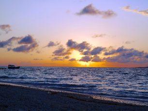 Pantai Tablolong, Surganya Para Pemancing di Ujung Selatan Kupang
