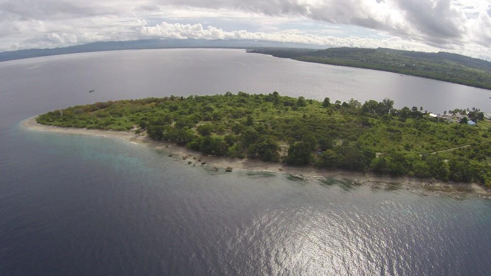 Pantai Tanjung Kuako dari ketinggian