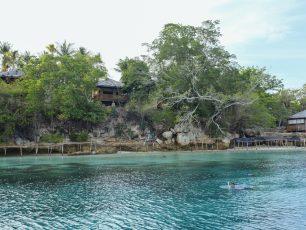 Berwisata Bahari di Pantai Tanjung Karang