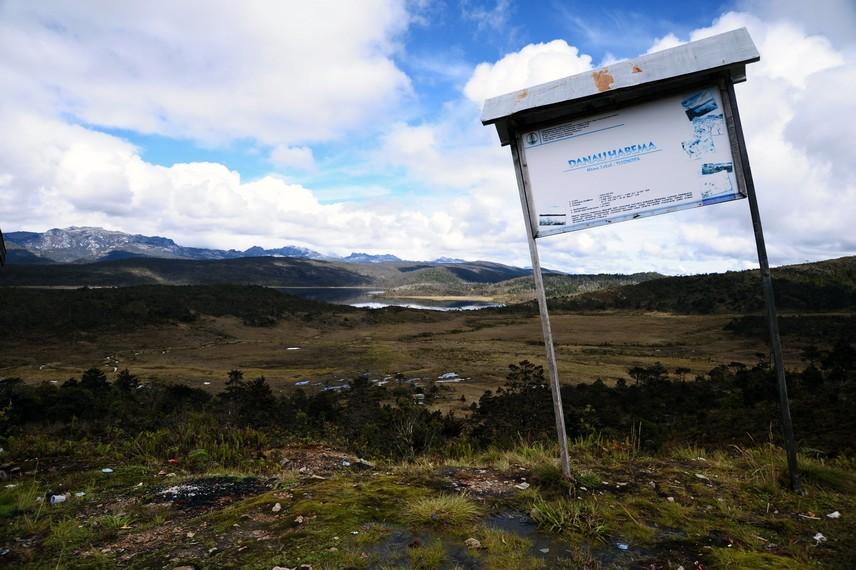 Papan penunjuk Lokasi Danau Habema