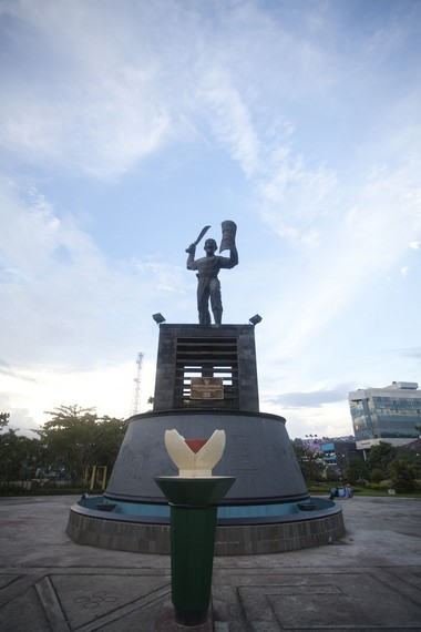 Patung Pattimura yang menjadi simbol pahlawan Maluku