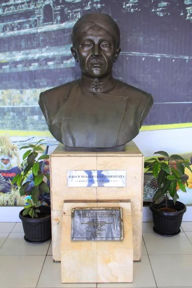 Patung Raden Ranggawarsita di salah satu sudut ruangan