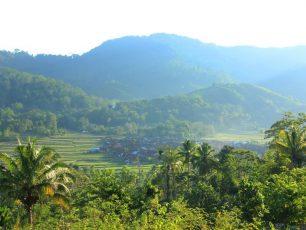 Desa di Balik Perbukitan dan Pegunungan Pulau Sumbawa