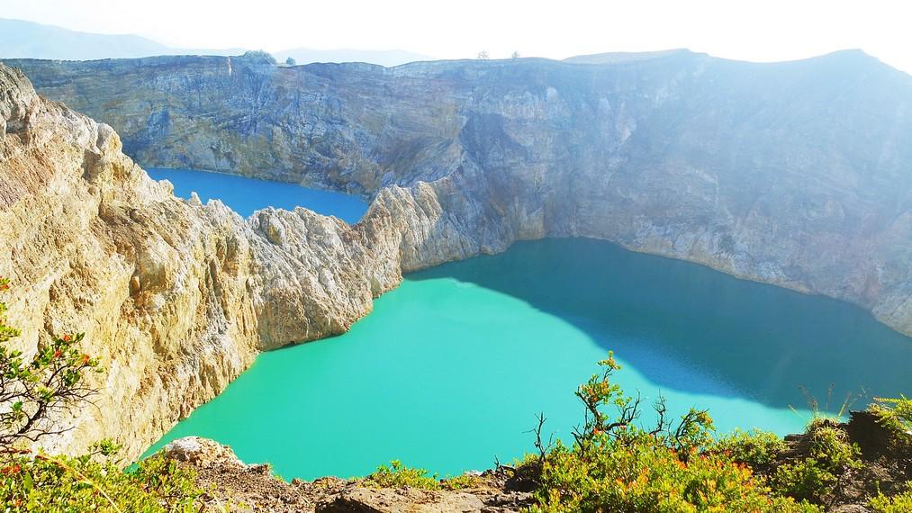 Penampakan danau Tiwu Nuwa Muri Koo Fai danTiwu Ata Polo