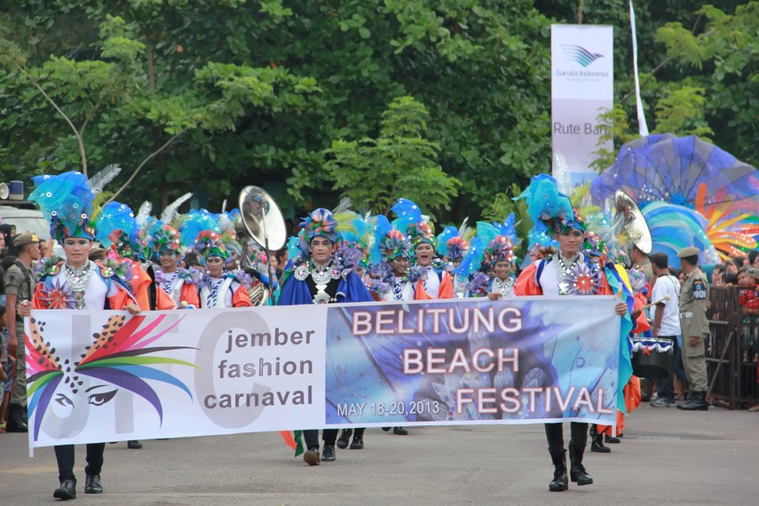 Penyelenggaraan Belitung Beach Festival untuk pertama kalinya ini hasil kerjasama dengan Jember fashion carnaval