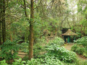 Lima Situs yang Disakralkan di Pertapaan Mandalasari
