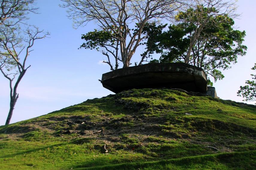 Posisinya yang berada di atas bukit membuat pos pengintaian ini menjadi strategis di sektor timur Sabang