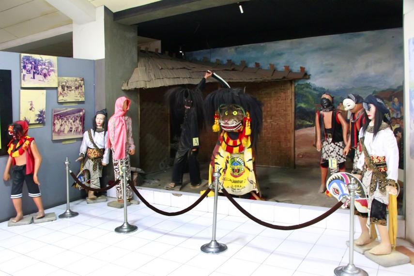 Potret kesenian masyarakat Jawa yang ada di Museum Ranggawarsita