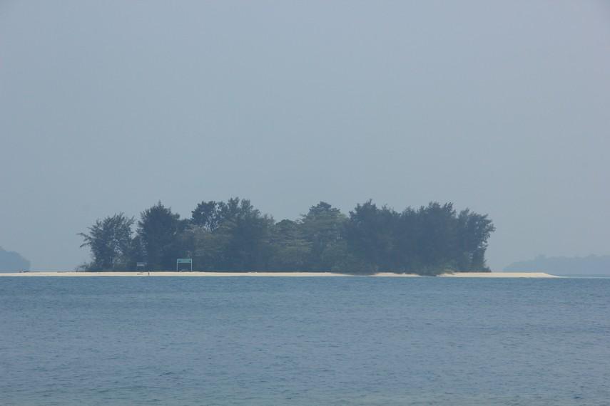 Pulau Kayu Angin Bira, salah satu pulau yang berada di Kawasan Pulau Bira, Kepulauan Seribu