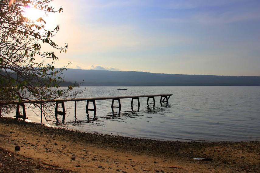 Pulau Moyo biasanya ramai dikunjungi wisatawan pada periode Juni-Juli atau saat musim kemarau