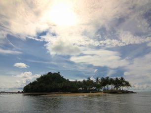 Pulau Pisang Kecil, Tempat Mengasingkan Diri Sejangkauan Kaki