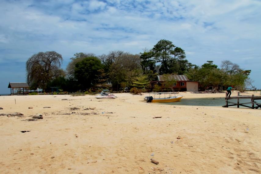 Pulau Samalona menjadi salah satu pulau favorit bagi para wisatawan yang berkunjung ke Makassar
