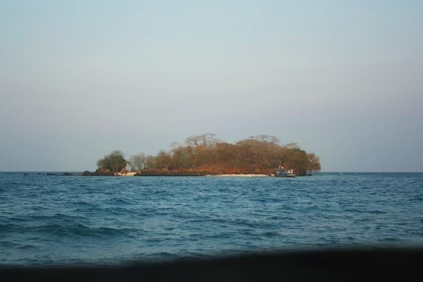 Pulau Sebuku Kecil, menjadi salah satu tujuan favorit untuk melakukan aktivitas <i></noscript><img class=