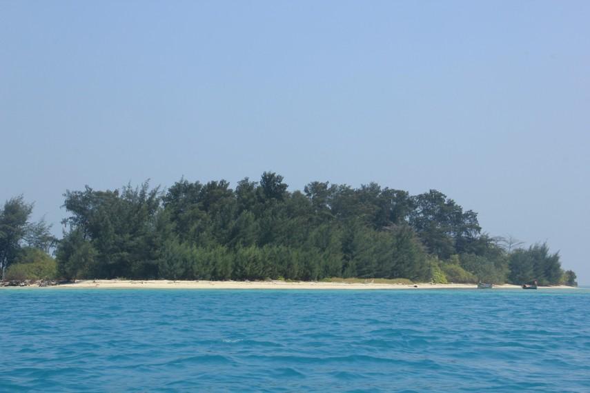 Pulau Tikus dikenal sebagai pulau yang tidak berpenghuni