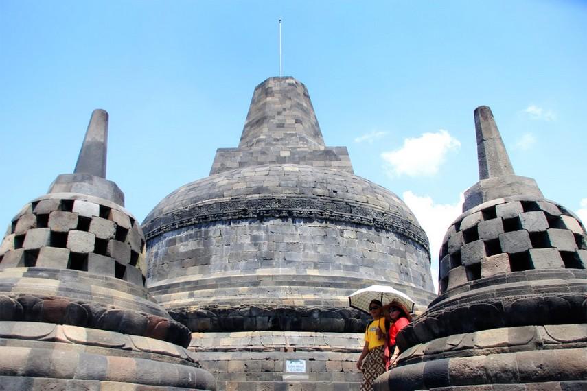 Puncak Candi Borobudur yang menjadi salah satu incaran para pengunjung untuk mengabadikan momen disini