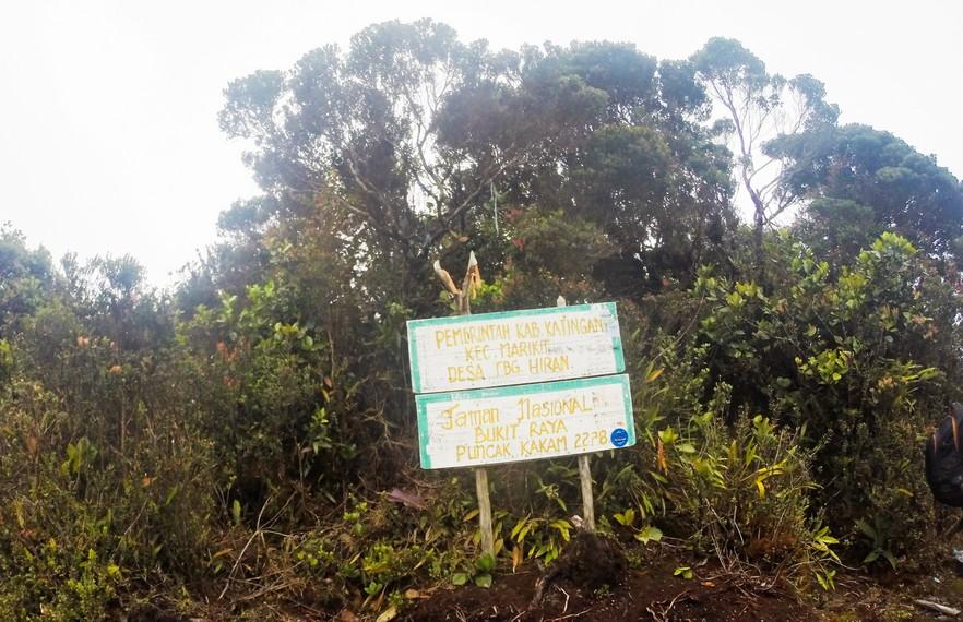 Puncak Kakam dengan ketinggian 2.278 mdpl