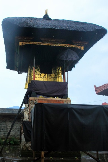 Pura Gaduh yang masih berada di dalam kawasan Pura Lingsar