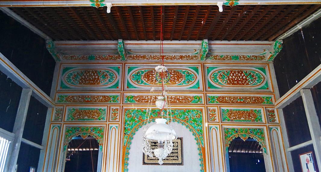 Rumah Bubungan Tinggi yaitu jenis rumah bernilai paling tinggi karena dipergunakan sebagai kediaman Sultan