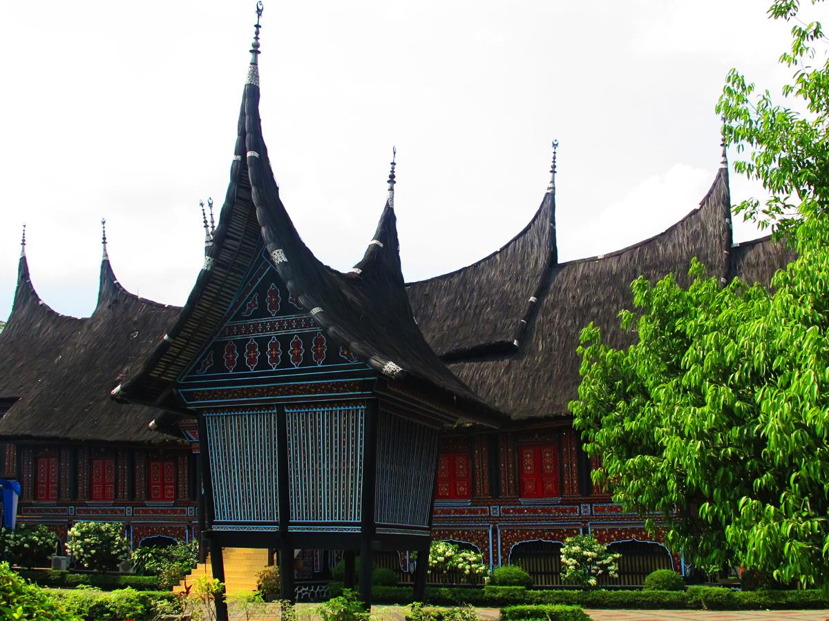 Rumah_Gadang_1200.jpg