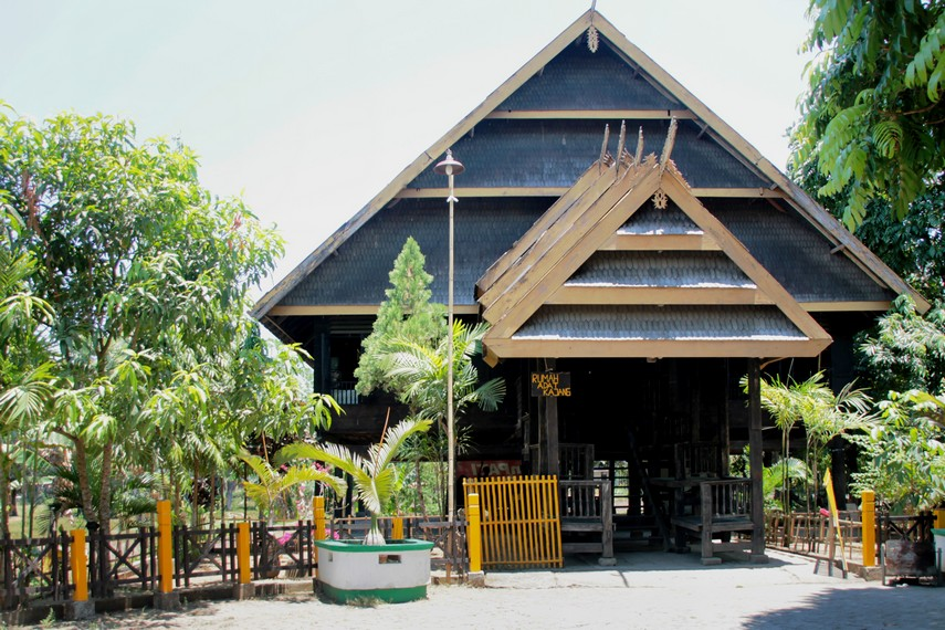 Rumah adat Kajang yang terdapat di kawasan Benteng Somba Opu