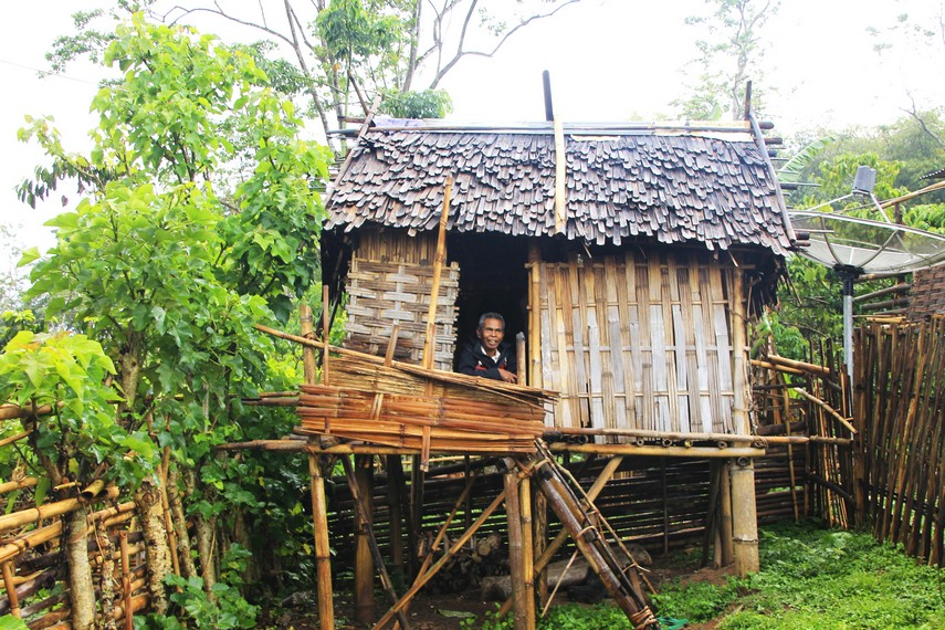 Rumah tradisional yang sudah berumur ratusan tahun masih dipertahankan bentuknya hingga saat ini