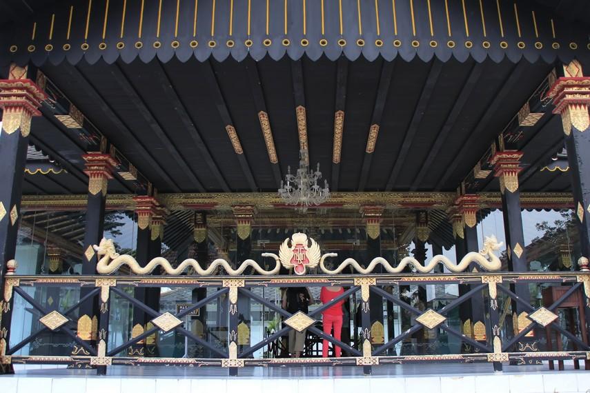 Salah satu bangunan di Keraton Yogyakarta  yang  dibangun oleh Sri Sultan Hamengku Buwono I sejak tahun 1755