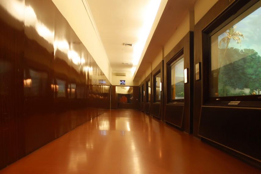 Salah satu lorong di Museum Satria Mandala yang memajang diorama suasana zaman perjuangan