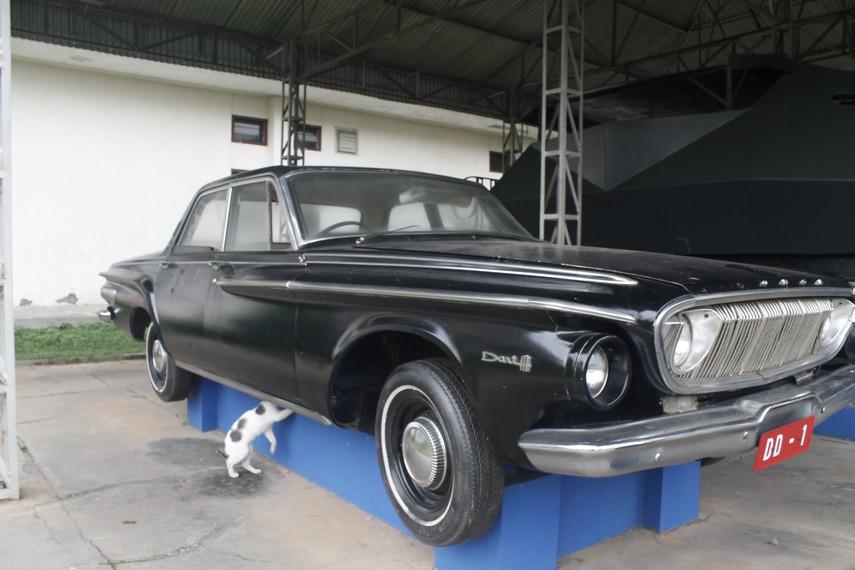 Salah satu mobil dinas yang dahulu digunakan TNI