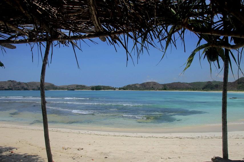Salah satu sudut pemandangan yang ada di Pantai Tanjung Aan