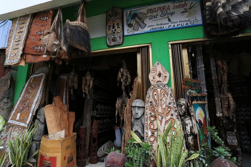Salah satu toko yang berada di Pusat Seni Hamadi