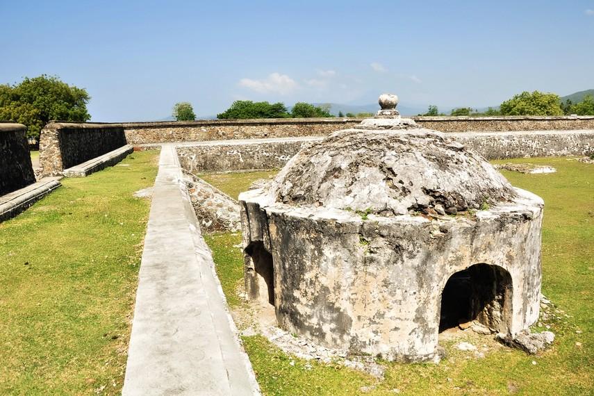 Satu diantara dua sumur yang terdapat di dalam kompleks benteng utama