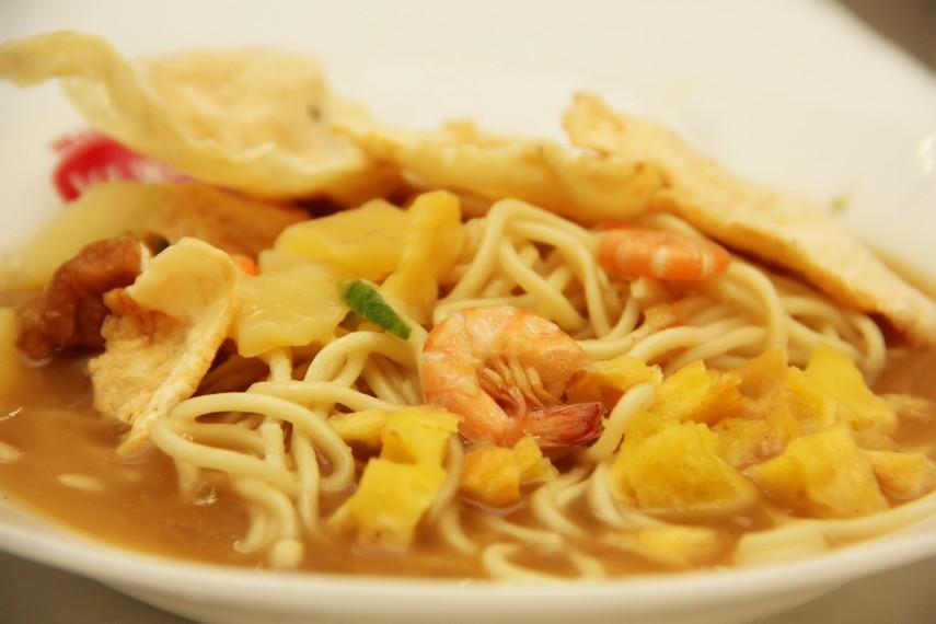 Selain kuah udang, penambahan udang dalam mie Belitung menambah nikmat rasa mie Belitung