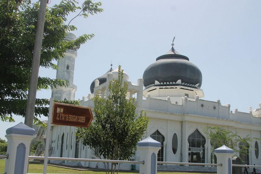 Setelah rekonstruksi, Masjid Rahmatullah berada di Jl. Recep Tayyip Erdogan Caddesi