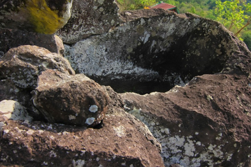 Situs batu ini oleh masyarakat setempat dijadikan media untuk berkomunikasi dengan para leluhur