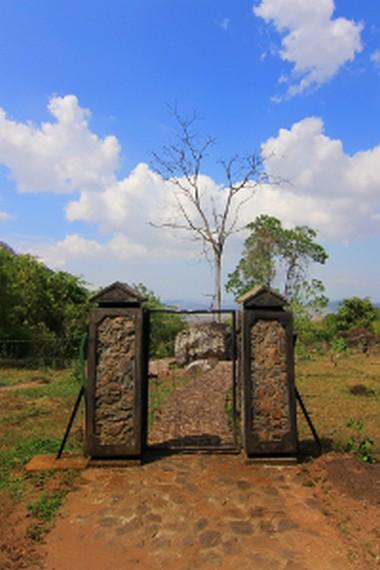 Situs kuburan ini dijaga oleh seorang juru kunci dan telah diwarisi secara turun temurun