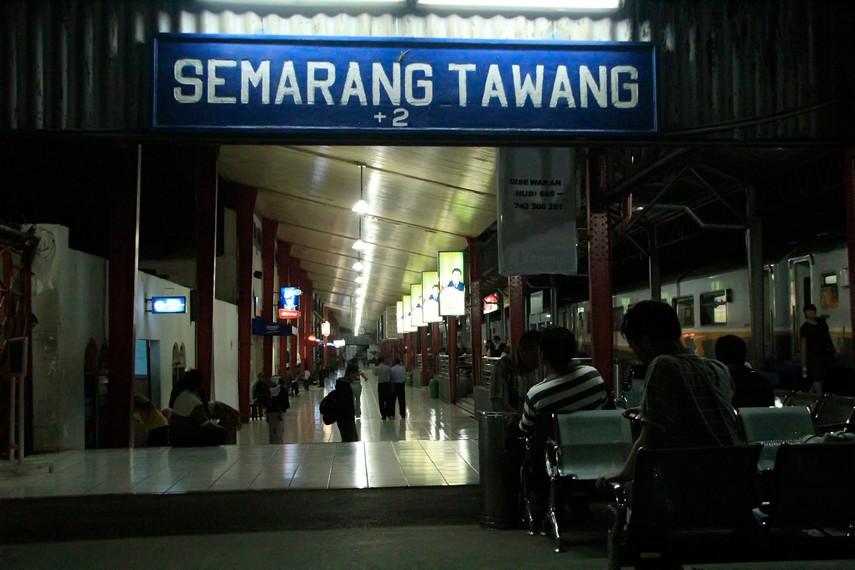 Stasiun Tawang menjadi salah satu daya tarik pengunjung yang berkunjung ke Kota Tua
