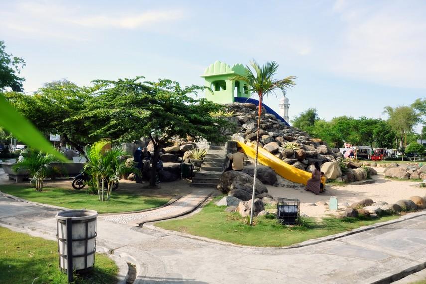 Suasana di salah satu sudut wahana permainan anak-anak yang ada di Tamansari