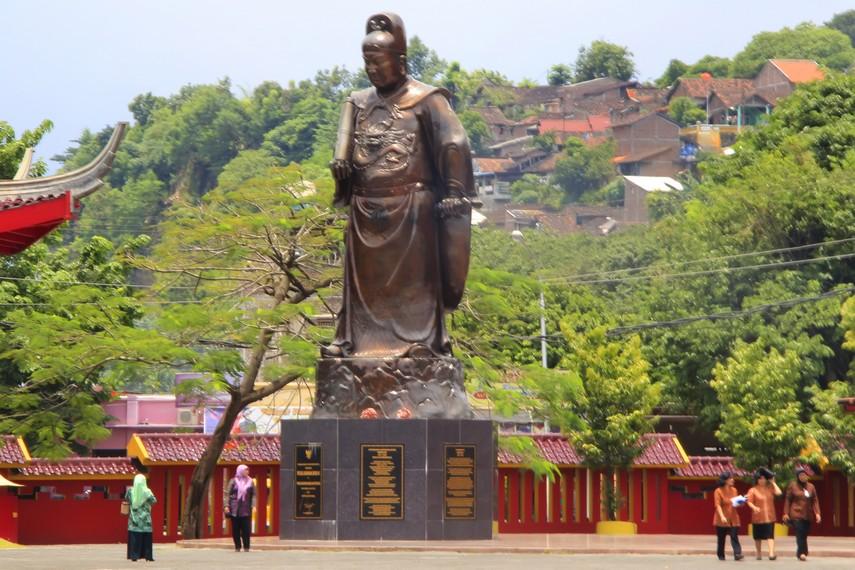 Suasana di sekitar Paviliun Laksamana Zheng He