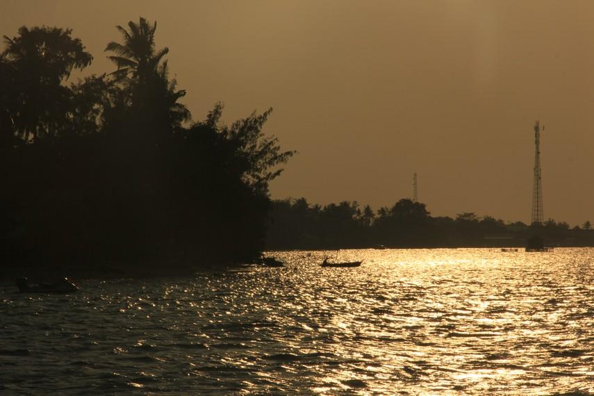 Suasana menjelang matahari tenggelam Pulau Tidung