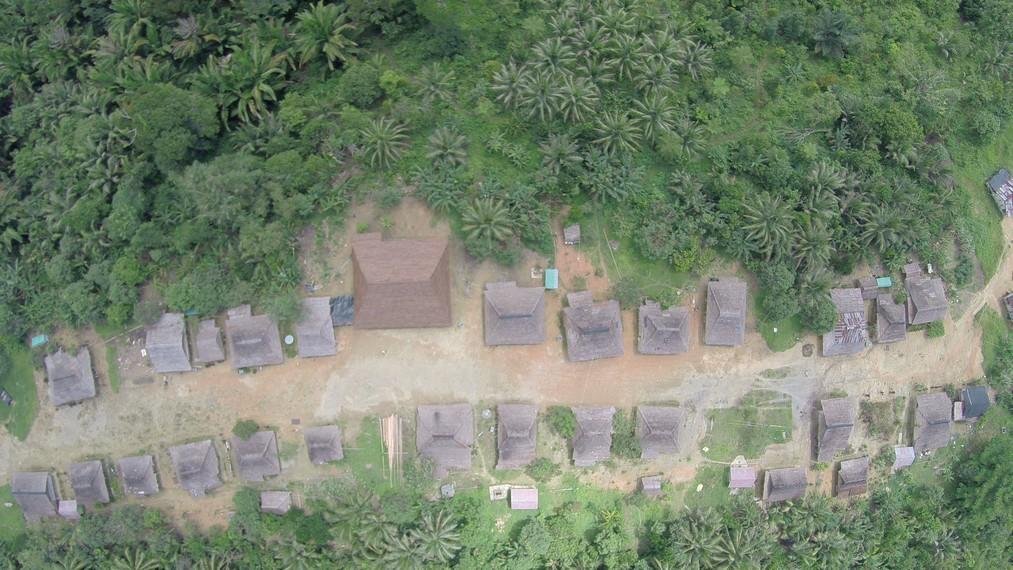 Suasana perkampungan Huaulu dari ketinggian