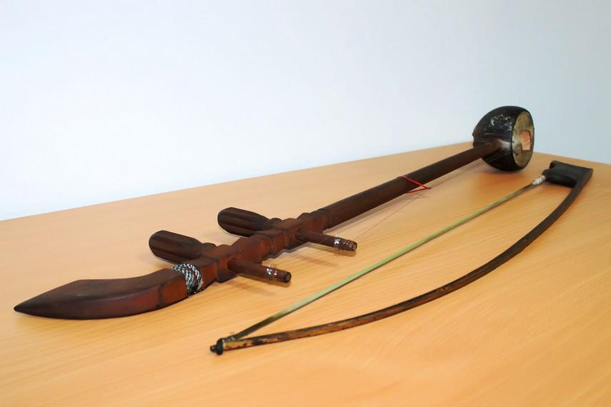 Sukong biasa dimainkan dalam kesenian gambang keromong