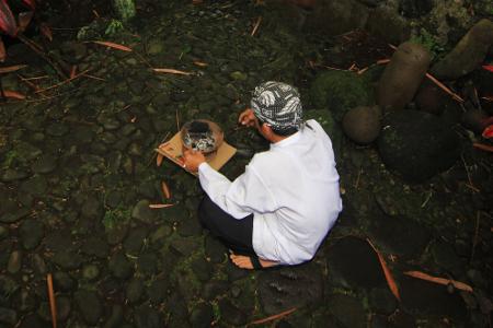 Sumur Sri Baginda Jalatunda merupakan satu diantara tujuh mata air yang dianggap suci