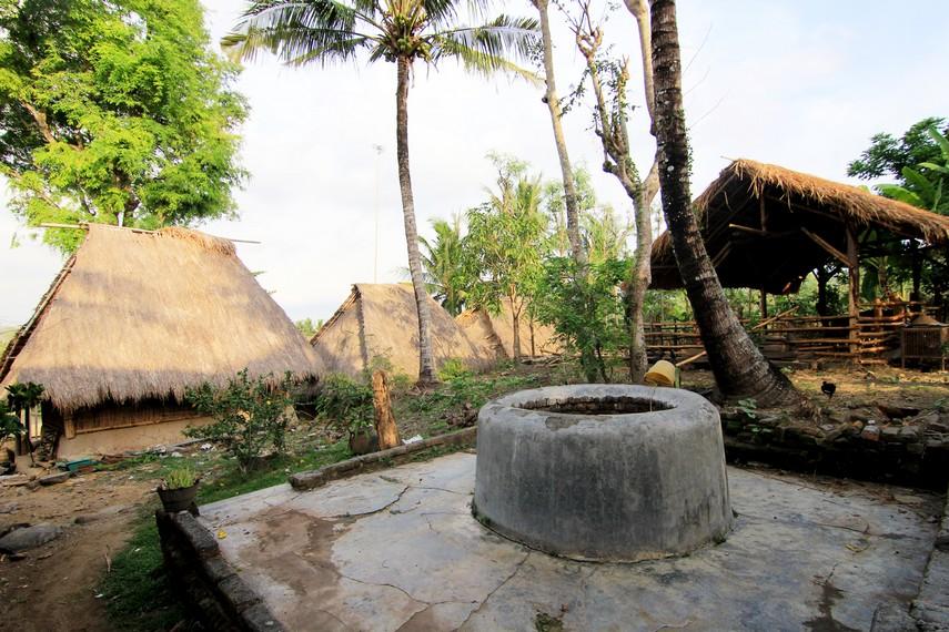 Sumur menjadi satu-satunya sumber air di Dusun Ende