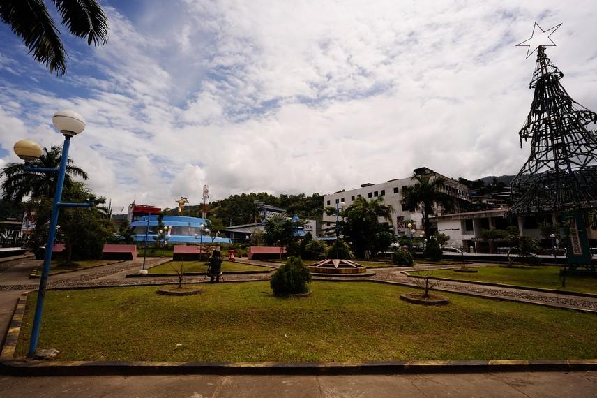 Taman Yos Sudarso yang terletak di Pusat kota Jayapura