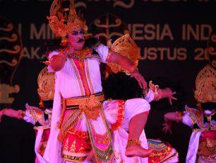 Tewasnya Raksasa Rakta dalam Tari Durga Mahisasura Mardini