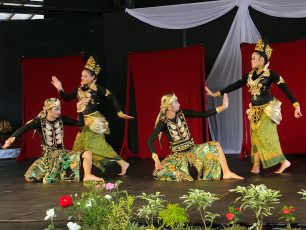 Menyaksikan Aksi Heroik Putri Raja Pajajaran dalam Tari Pumamasari
